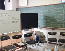 石巻中学校の教室